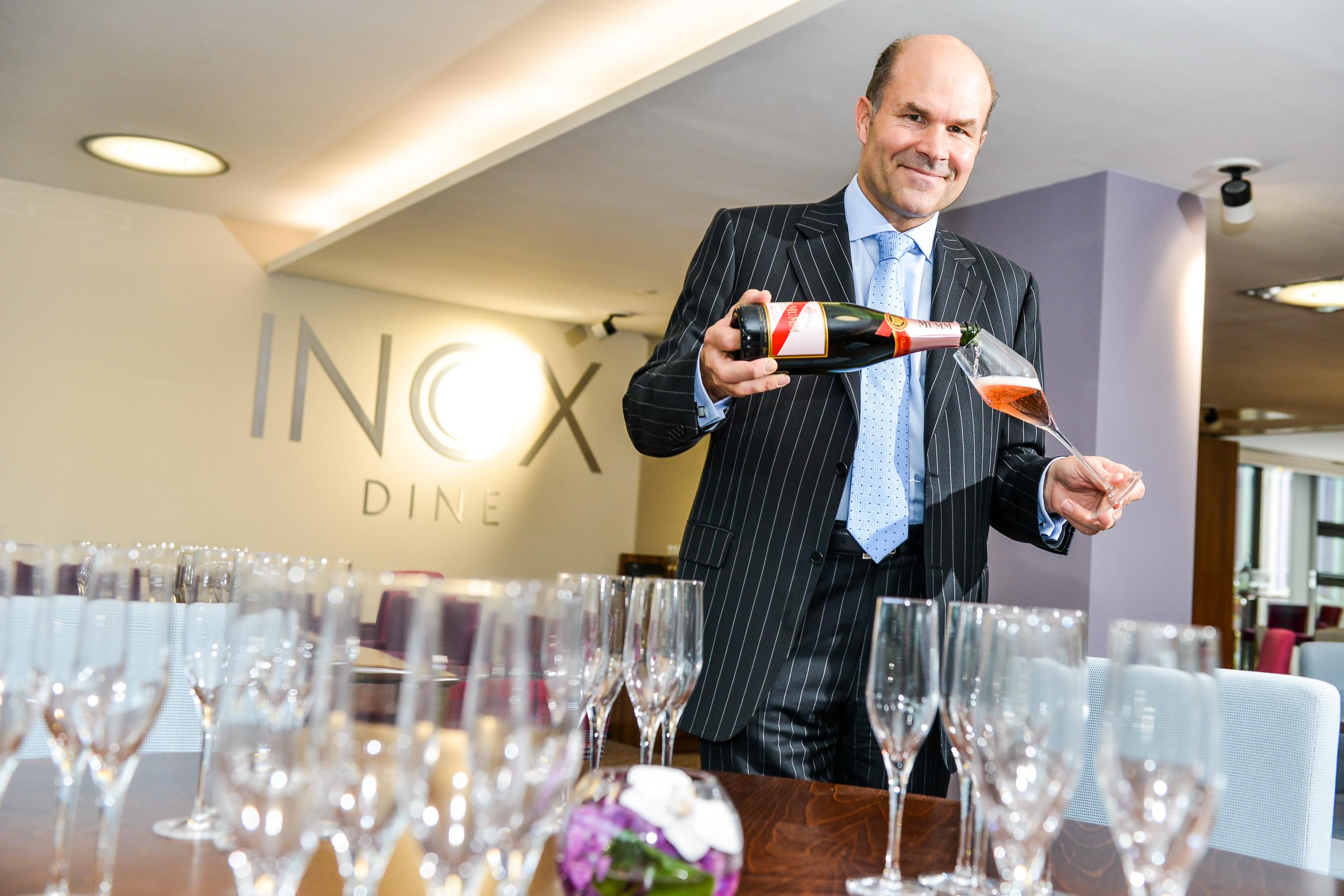Bubbles / Wine Expert